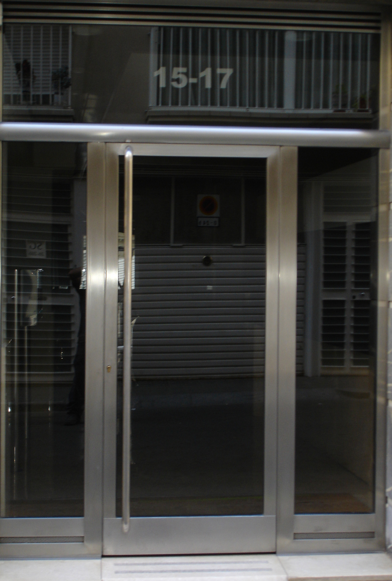 Puertas de acero inoxidable grupo inoxmetal for Puertas de acero inoxidable