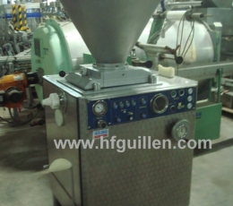 AUTOMATIC VACUUM STUFFING MACHINE BAADER