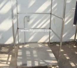 SHELVES WITH BARS FOR COLDMEAT WITH WHEELS