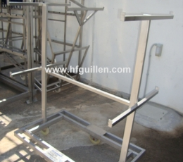 SHELVES WITH BARS FOR COLDMEAT WITH WHEELS 2...