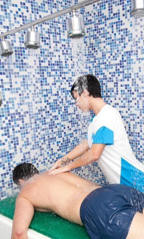 SPA masaje con ducha vichy
