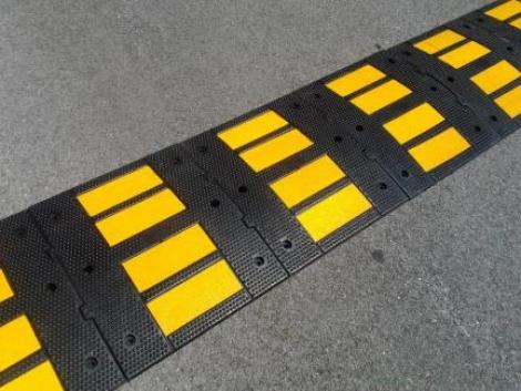 Reductor de Velocidad 5x60x50 cm 01