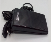 Pedal electronico con cable.