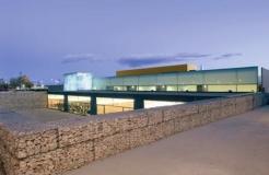 Piscina cubierta y gimnasio en Villanueva de la Cañada (España)