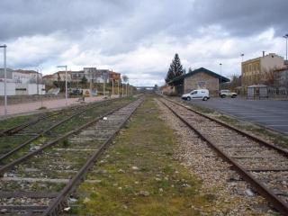 Adif lanza un concurso para comprar las vías del tren extremeño por 16 millones