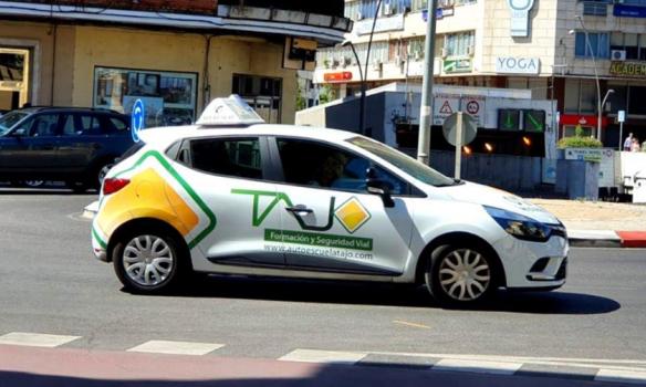 Desde hoy, la DGT permitirá estas ayudas a la conducción en el examen de conducir