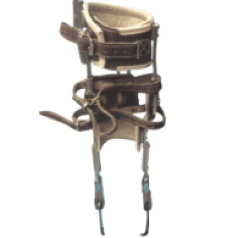 Bitutor femoral metálico con muslera de apoyo isquiático, A MEDIDA  (unidad) (Prescribir además articulación de rodilla y articulación de tobillo a elección y, si lo precisa, un botín)