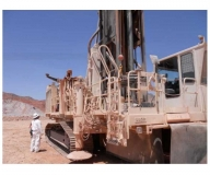 Grupo hidráulico en taladro de minería