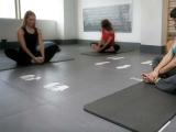 suelo gimnasias suaves, suelo yoga, suelo stretching, body mind