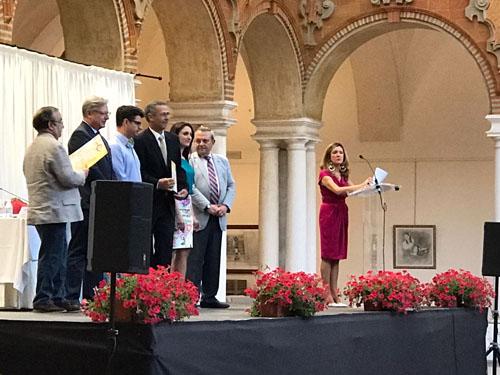 Recogida de los cuatro premios mezquita