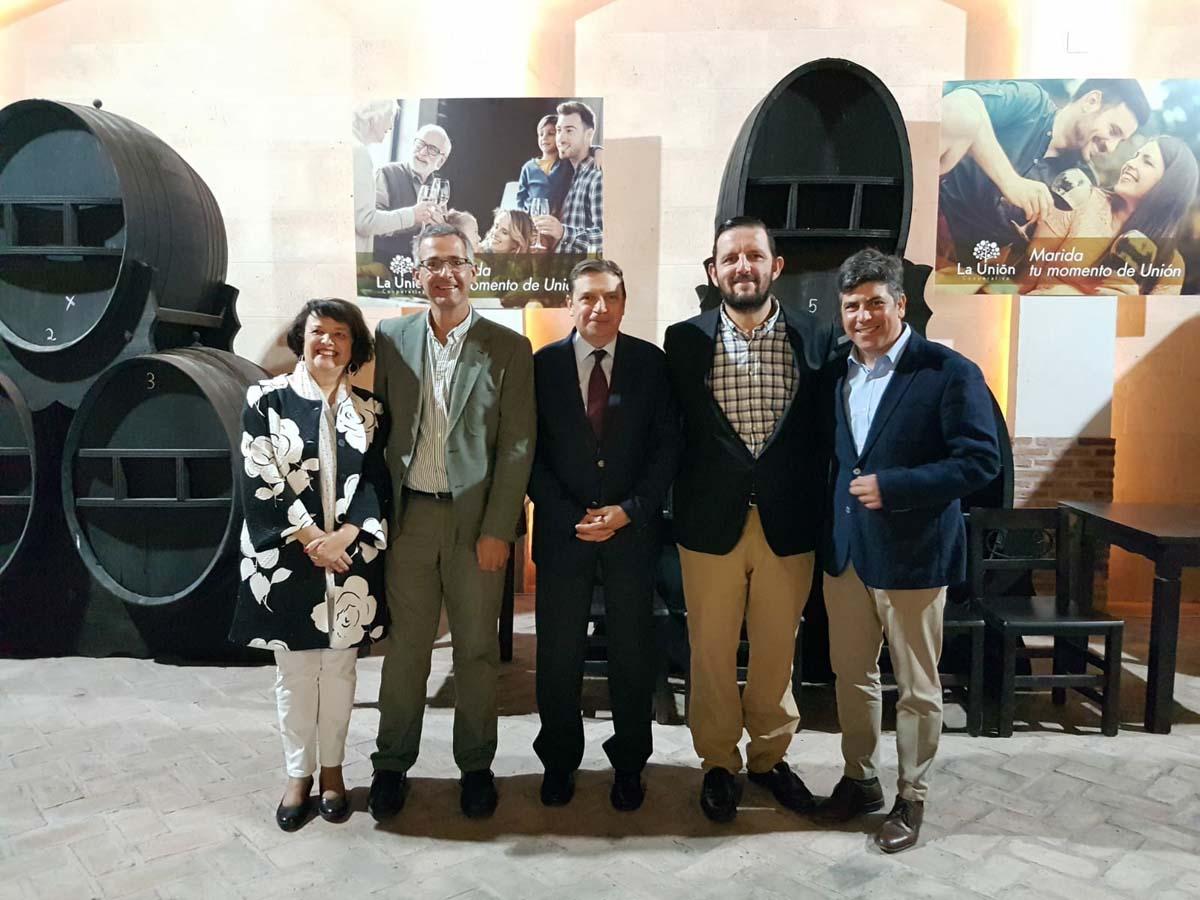 El ministro en funciones Luis Planas se reúne con los agricultores de la zona Montilla-Moriles