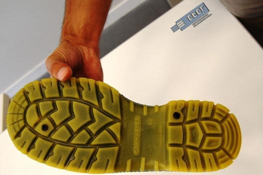 Artículo en revista especializada Seguridad Laboral sobre calzado de seguridad 100% conductor