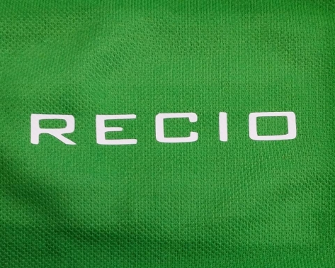Logotipo empresa en vinilo para uniformes