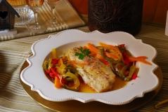 Lubina con verduras y gelatina de vino blanco