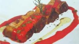Creps de morcilla y pimientos asados en almíbar
