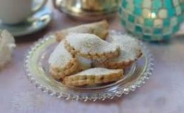 Empanadillas de mazapán y confitura de frambuesa