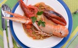 Marmitako de mariscos y salsa de tomate La Tejea