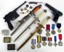 ARMAS DE DIFERENTES ÉPOCAS