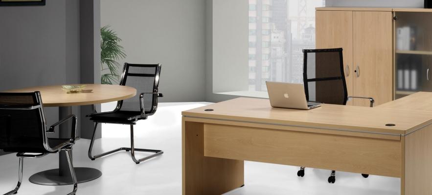 Muebles de oficina baratos funcionales: mesa modelo euro