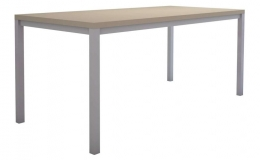 Mesa de oficina mod. Line estructura metálica encimera de melamina de 25 mm.