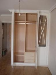 Interior de armario melamina color sicomoro de 19...