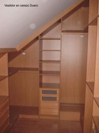 Interior de armario abuardillado de 19 mm en...