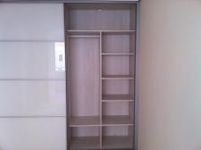 Interior de armario de 19 mm cantedo pvc con...
