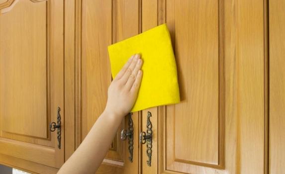 Mantenimiento y limpieza de las puertas de madera