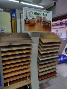 Nuevo Expositor Suelos Laminados Valladolid Disfloor Top AC5 y AC4