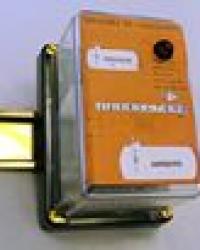 ELECTRONIC LEVEL REGULATOR FOR...