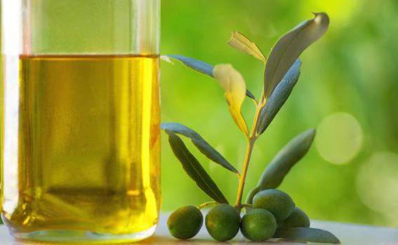 El aceite de oliva, producto mediterráneo por excelencia
