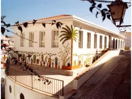 Fachada de azulejos de cerámica Ayuntamiento