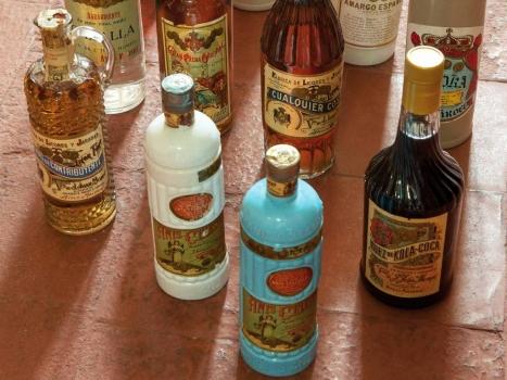 Probando una bebida de reyes: Aielo de Malferit y su tradición licorera