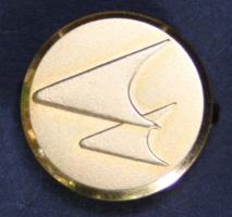 Botones metálicos  y emblemas desde 1913