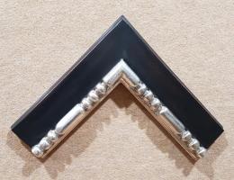 Moldura plata-negro