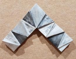 Moldura plata-negro raspado