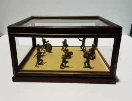 Figuras en urna
